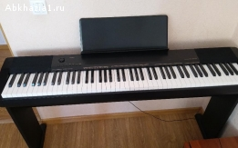 Фортепиано CASIO CDP-130BK, и подставка под фортепиано.